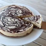 gluten-free-dairy-free-salted-caramel-cheesecake-happytummies